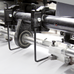 Zwei- und ein Fünffarben-Druckmaschine mit angeschlossenen UV-Lackwerk, Vierfarbdruck mit Druck-, Duft- oder Effektlack